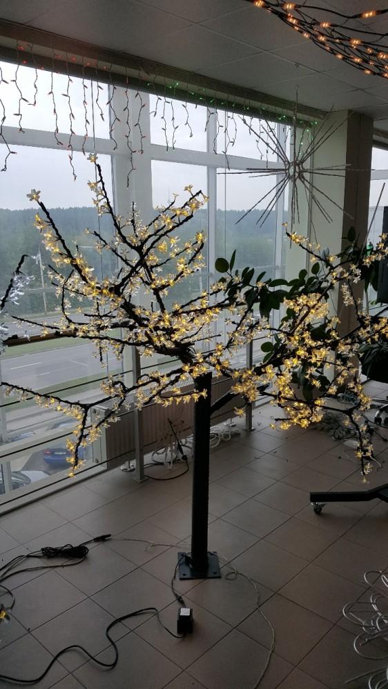 Šviečiantis medis Sakura 1,8m
