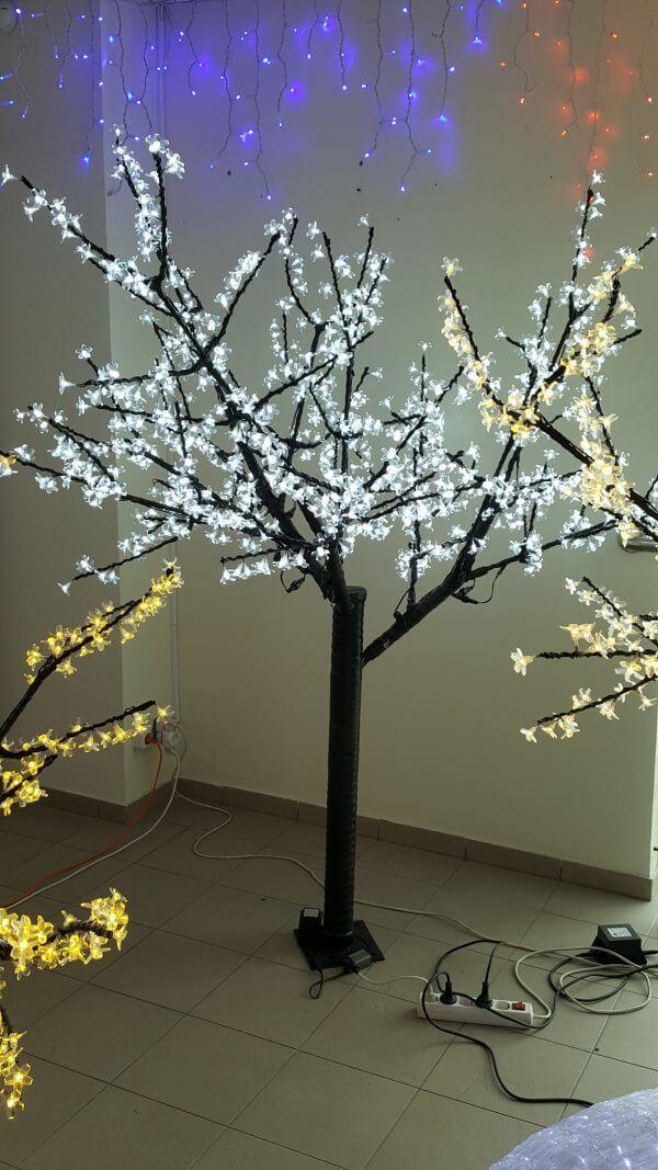 Šviečiantis medis Sakura 1,8m balta